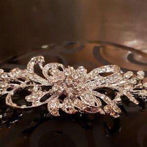 NEW Crystal brooch